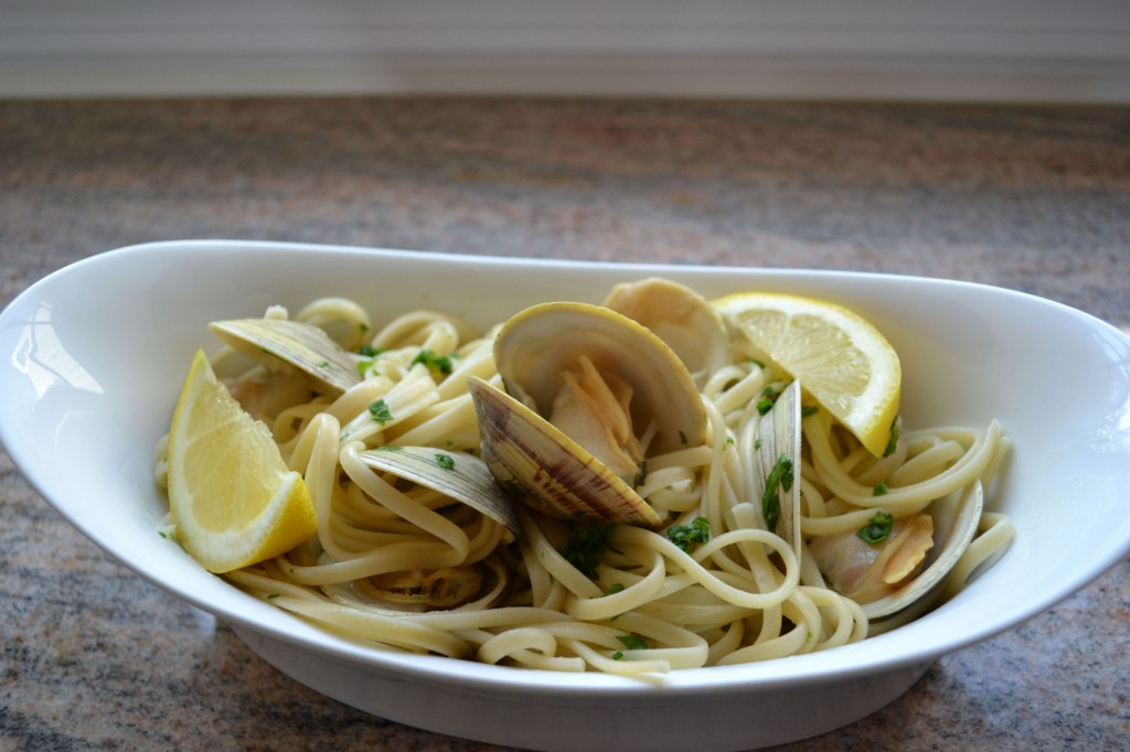 Linguine with White Wine Clam Sauce | ImPECKable Eats